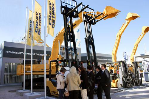 Chinesischer Hersteller von Baumaschinen zeigt chinesisches Know-how auf der Bauma 2013 in München