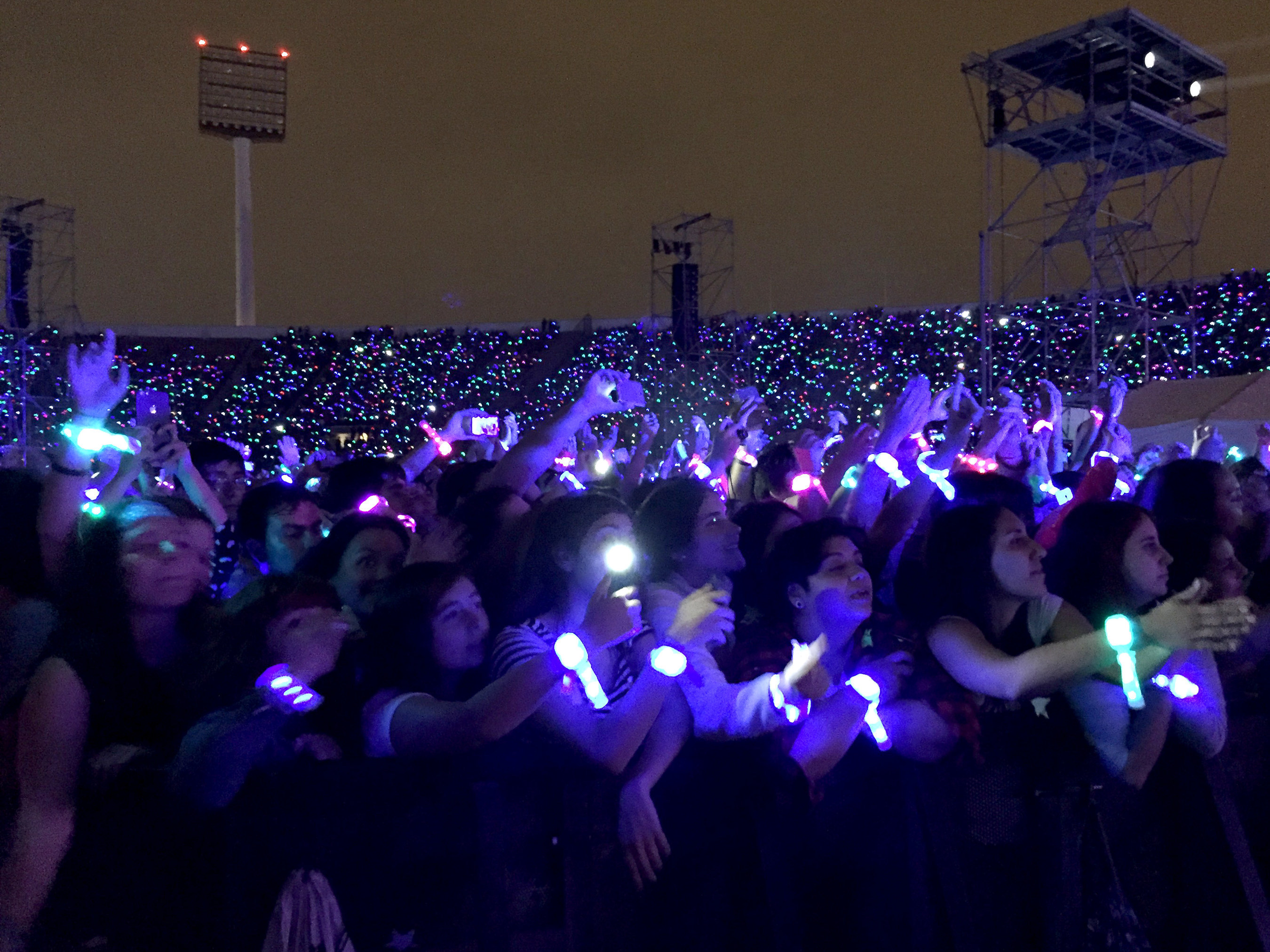 Audiences Love Lighting Up With LED Wristbands