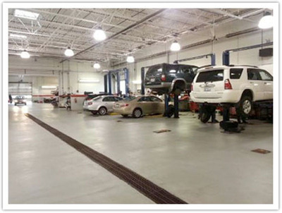 The Toyota of River Oaks vehicle maintenance department provides timely and quality service.  (PRNewsFoto/Toyota of River Oaks)