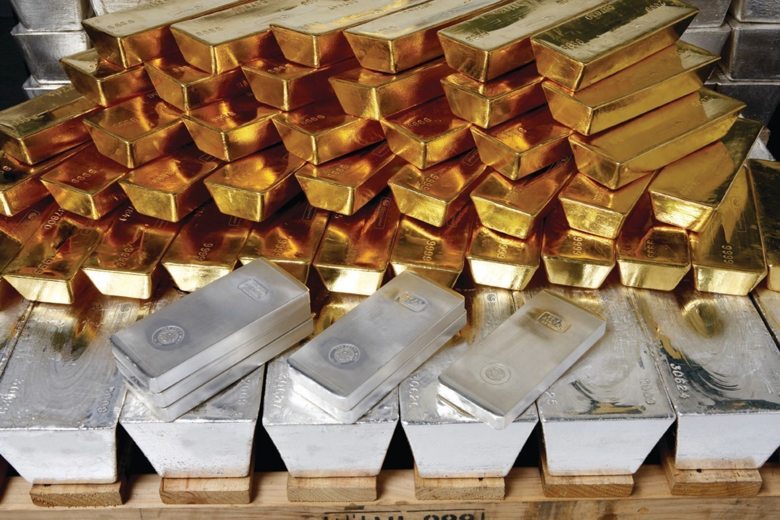 Perth Mint Puts Gold and Silver at Investors' Fingertips