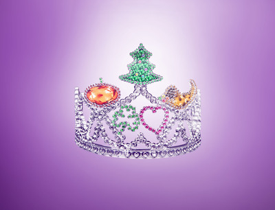 Move over Miss America, there's a new crown in town and her name is Mrs. Holiday. Taste of Home is seeking a new kind of holiday ambassador, who will receive a role with the company and $50,000.  The food brand says it is looking for a new type of pageant queen, one who is an advocate, an ambassador and an inspiration who cooks for her family to bring everyone around the table at the holidays.  Auditions are open now at Facebook.com/TasteofHome.