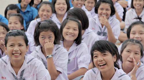 Thailand's only Buddhist boarding school is using Transcendental Meditation to reduce student stress and improve learning ability.  (PRNewsFoto/Maharishi Foundation USA)