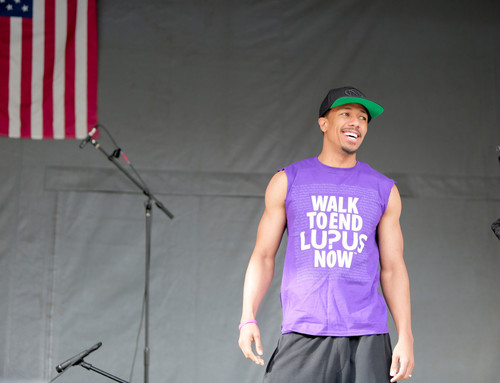 Multi-talented Entertainer Nick Cannon Leads Thousands of DC Residents in Walk to End Lupus Now  (PRNewsFoto/Lupus Foundation of America)