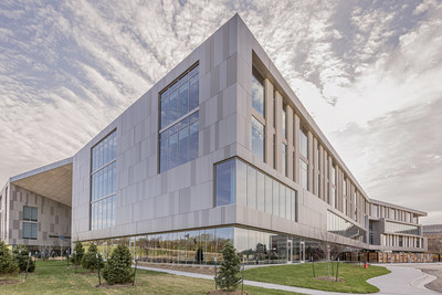 In partnership with VanTrust Real Estate, the innovative Burns & McDonnell expansion is an integrated design-build project that increases the size of its world headquarters by 74 percent.