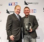 GRAMMY® Award-Winning Contemporary Christian Artist Chris Tomlin Receives SoundExchange Digital Radio Award at the 47th Annual GMA Dove Awards