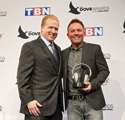 SoundExchange President and CEO Michael Huppe (left) presents GRAMMY(R) award-winning contemporary Christian artist Chris Tomlin with the SoundExchange Digital Radio Award on October 11 during the 47th Annual Gospel Music Association (GMA) Dove Awards. SoundExchange honors recording artists with its Digital Radio Award once they amass more than one billion streams on the 2,800 digital radio services with whom they partner. (Photo by  Kayla Schoen for SoundExchange).