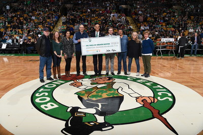 Sun Life and Boston Celtics present YMCA of Greater Boston with $75,000 for its Diabetes Prevention Program at TD Garden Center Court, closing 3rd annual #SunLifeDunk4Diabetes campaign. Holding check (L to R): Kevin Krzeminski, SVP, Sun Life Financial; James Morton, CEO, YMCA of Greater Boston; Ted Dalton, SVP, Boston Celtics; Others: Students of YMCA's Diabetes Prevention Program.