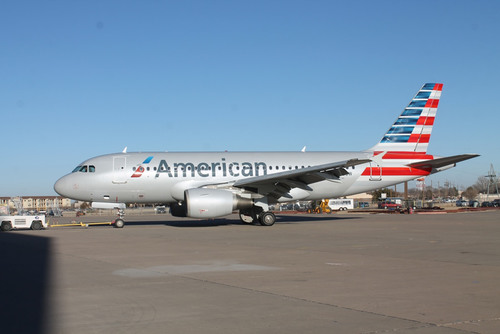 N700UW the first legacy US Airways aircraft painted in American Airlines livery.  (PRNewsFoto/American Airlines)