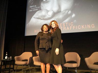 Kathy Ireland with YWCA Greater Los Angeles President & CEO Faye Washington (PRNewsFoto/YWCA Greater Los Angeles)