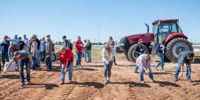 Feed a Bee teamed up with The Wildlife Society for the first annual fall planting tour, planting 50 million native flowers across four states in six weeks.
