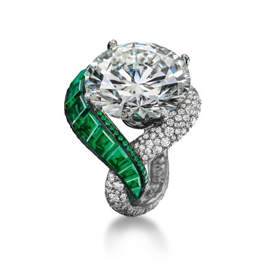 High Jewellery ring - Folies Collection, Biennale des Antiquaires Paris (PRNewsFoto/de Grisogono)
