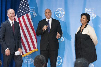 U.S. Senator Cory Booker joins Bayer to celebrate science in New Jersey. (PRNewsFoto/Bayer Corporation)