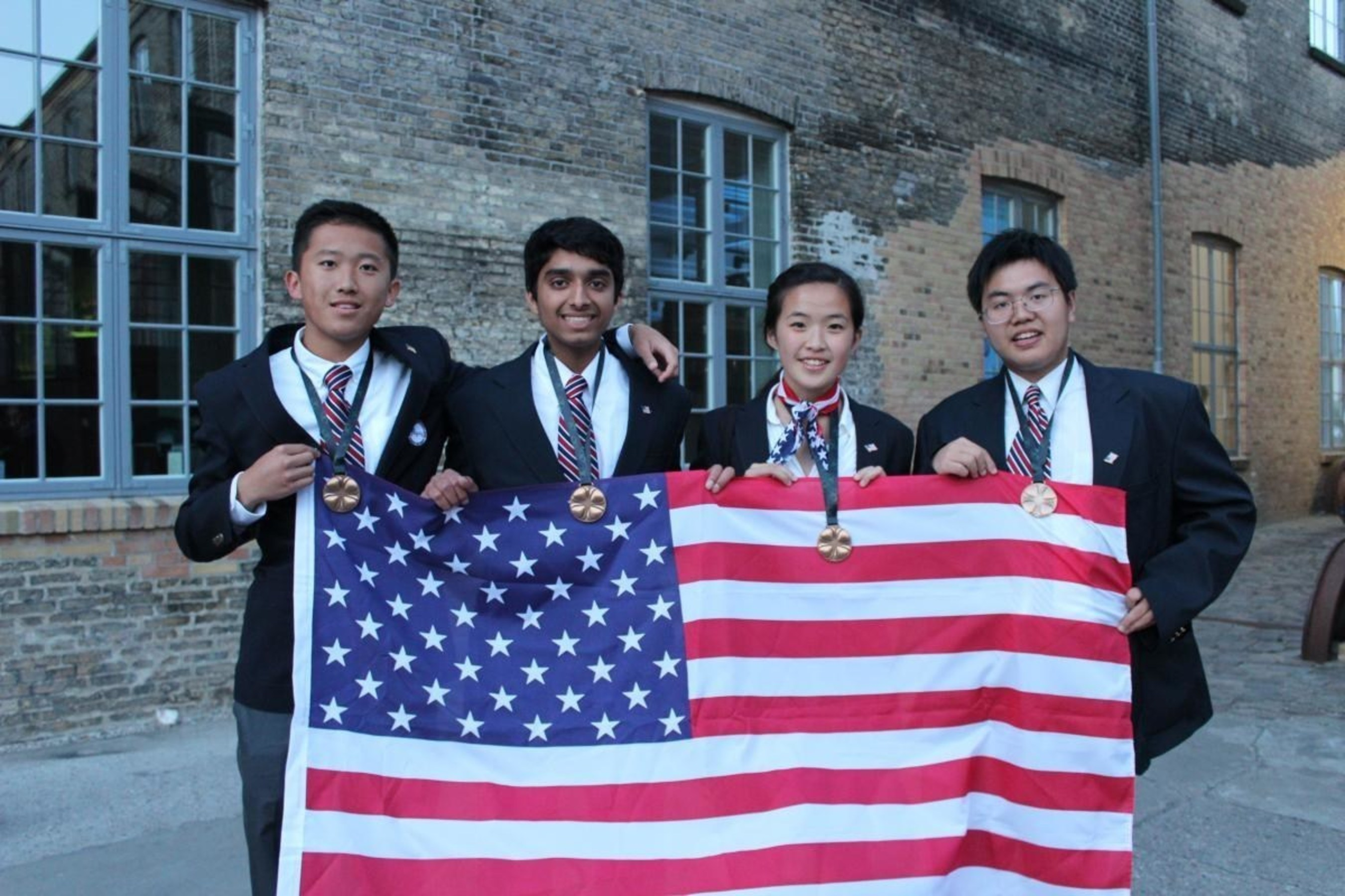 Embi Tec Honors Team USA at International Biology Olympiad 2015