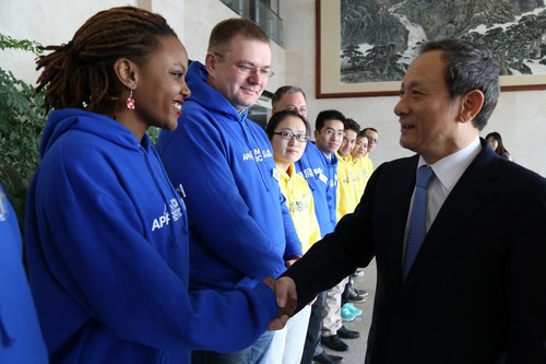 Wang Min, chairman and president of XCMG, cordially welcomed the apprentices. (PRNewsFoto/XCMG)