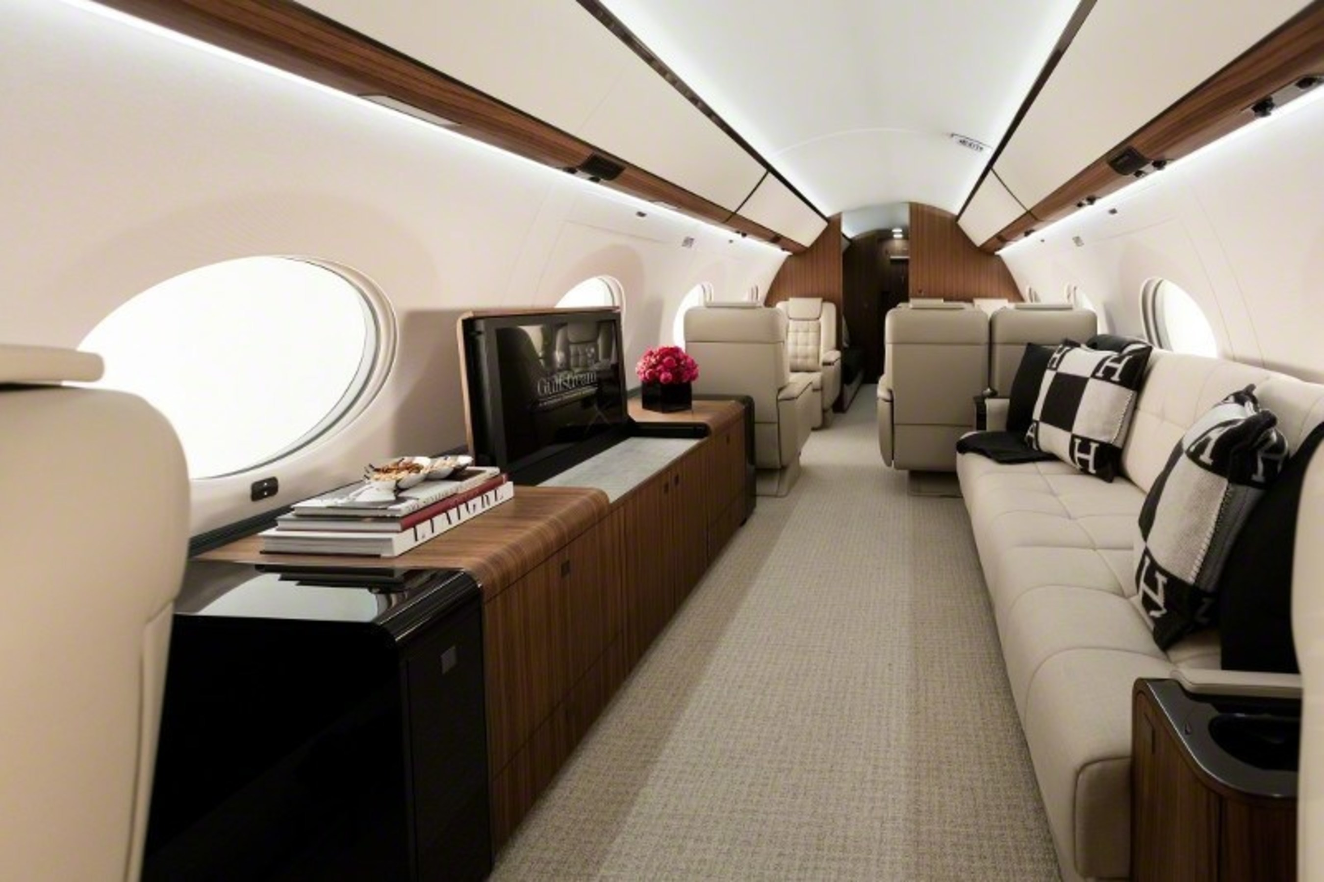 Gulfstream Aerospace Corp. is pleased to display three of its business jets at the Middle East and North Africa Business Aviation Association (MEBAA) Show Dec. 6-8 in Dubai. The static display will include the company flagship Gulfstream G650ER as well as the high-performing Gulfstream G550 and the class-leading Gulfstream G280. The four-living-area G650ER will headline Gulfstream's presence, showcasing the company's commitment to exceeding customers' expectations for customization, comfort and craftsmanship.