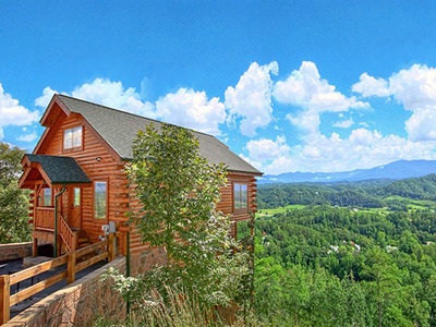Cabins of the Smoky Mountains - Gatlinburg Cabins.  (PRNewsFoto/Cabins of the Smoky Mountains)