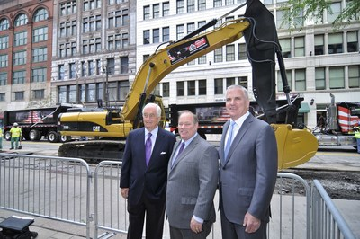 As Construction crews took to Woodward Avenue (M-1) in Detroit today to start construction activities on the city's new 3.3 mile modern streetcar line, Roger Penske, M-1 RAIL Chairman of the Board, and Matt Cullen, M-1 RAIL President & CEO, visited the construction site with Detroit Mayor Mike Duggan for a briefing on the first day of construction activities. (PRNewsFoto/M-1 RAIL)