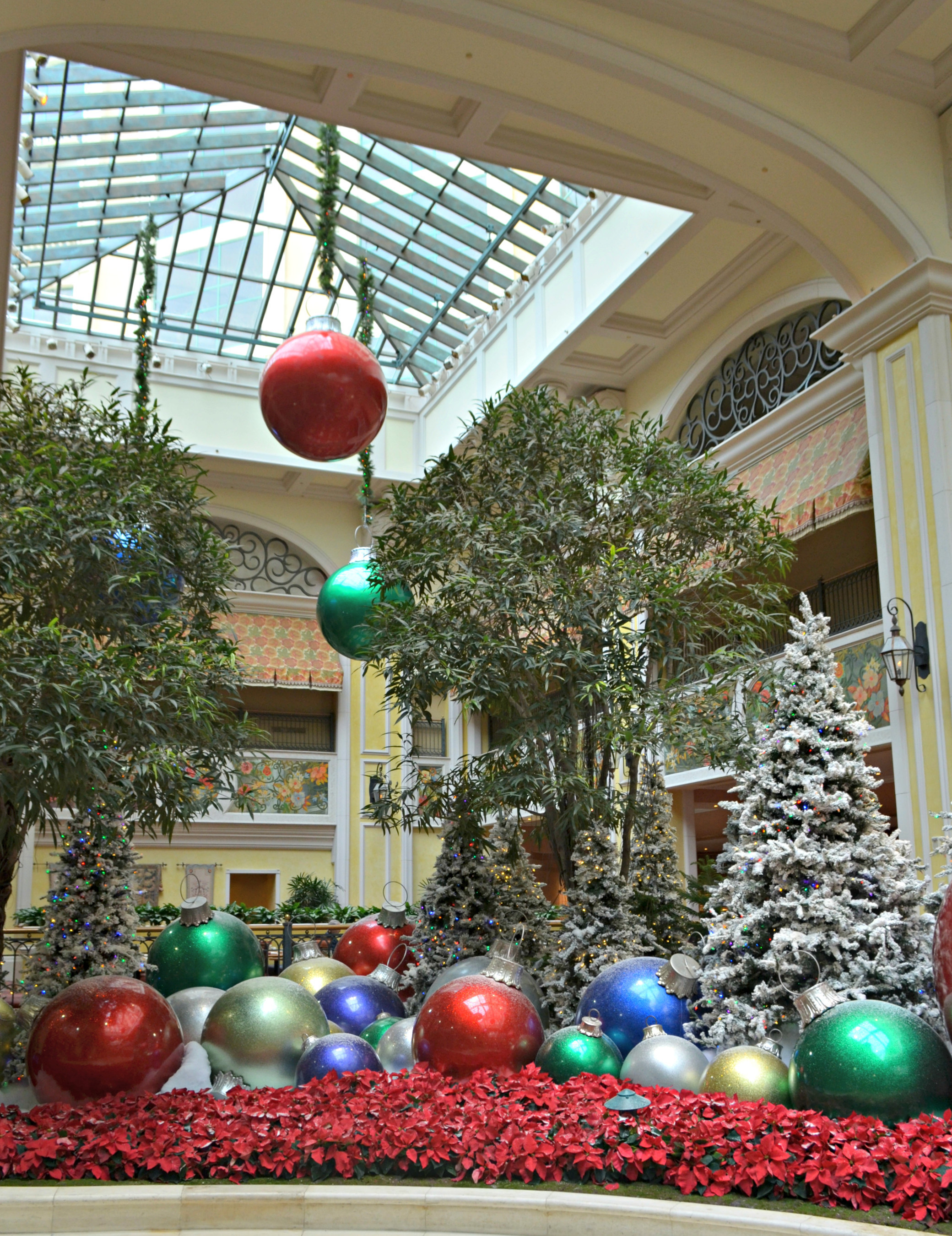 Beau Rivage Resort & Casino celebrates the season with dazzling displays, dining specials and a spectacular holiday show on ice.
