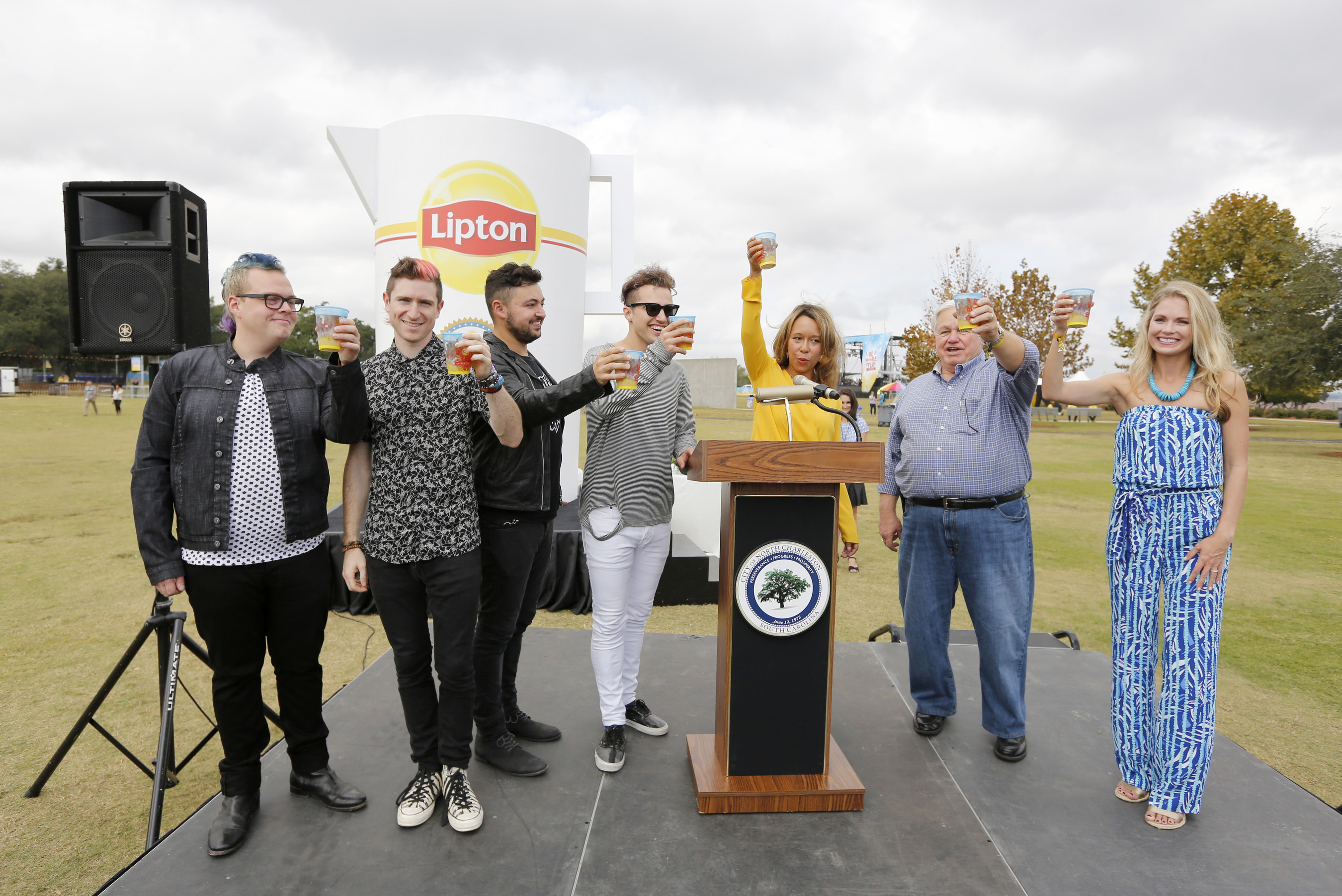 As part of Lipton's 125th anniversary, Lipton broke the Guinness World Records title for the Largest Iced Tea at the Be More Tea Festival in North Charleston, S.C. on Oct 24, 2015. Local celebrity Cameran Eubanks, Walk The Moon, North Charleston Mayor Keith Summey and Lipton's Director of Marketing Melanie Watts toasted to kick off the festival.
