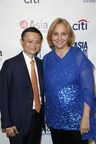 Jack Ma, Chairman of the Alibaba Group, and Josette Sheeran, Asia Society President (Jimmy Celeste / Asia Society).