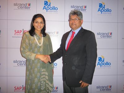 Ms. Sangita Reddy, Joint MD, Apollo Hospitals (Left) and Dr. Vijay Chandru, Chairman & CEO, Strand Life Sciences (Right)