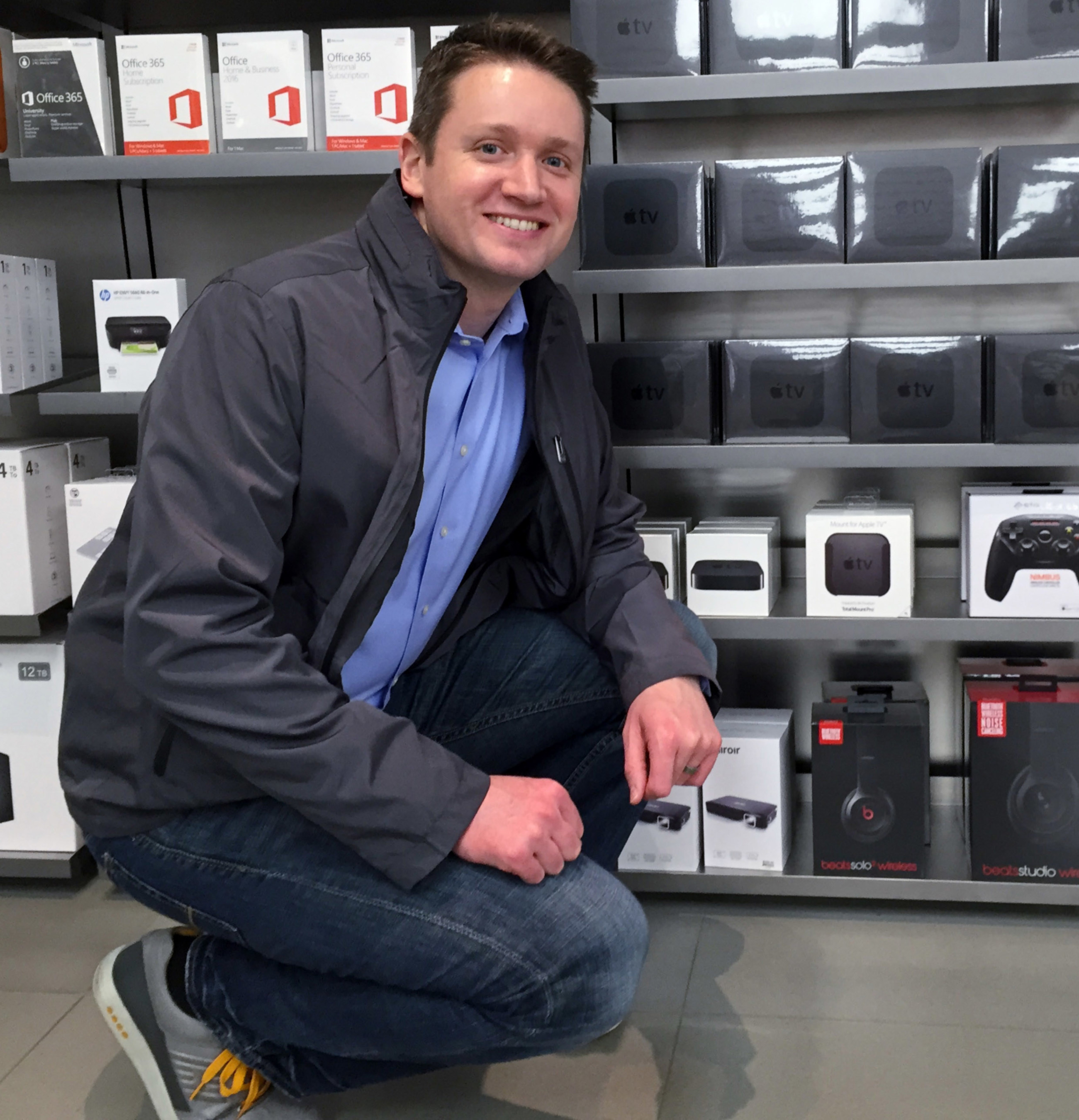 Eric Wengreen with TotalMount in the Apple Store