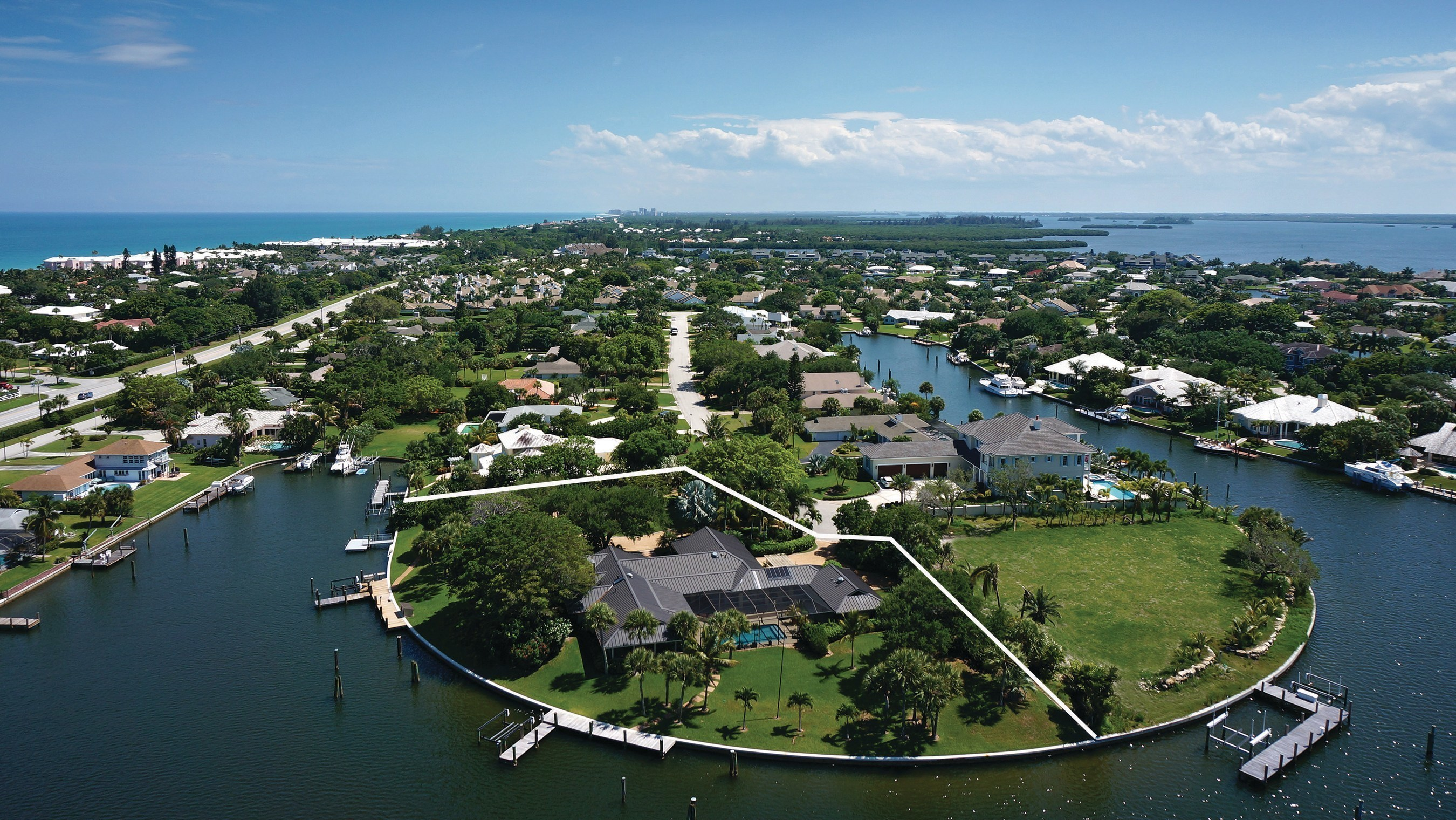 Point Lot Waterfront Estate in Vero Beach, Florida Heads To Luxury Auction
