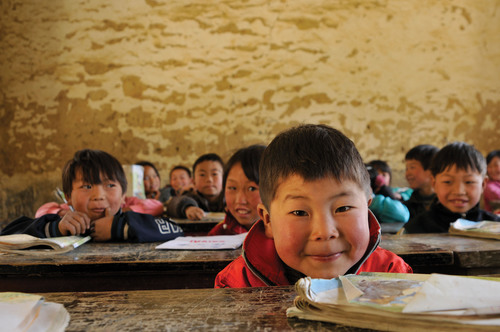 Amway Charity Foundation in China helped build 754 kitchens that provide nutritious meals to more than 350,000 students in rural areas.  (PRNewsFoto/Amway)