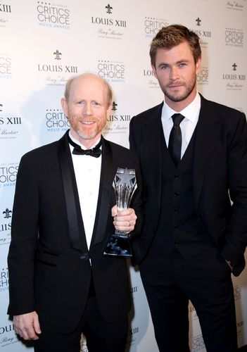 Actor Chris Hemsworth with director Ron Howard, winner of the Critics' Choice LOUIS XIII Genius Award, during the 20th Annual Critics' Choice Movie Awards at the Hollywood Palladium on January 15, 2015 in Los Angeles, CA. (PRNewsFoto/Louis XIII de Remy Martin)