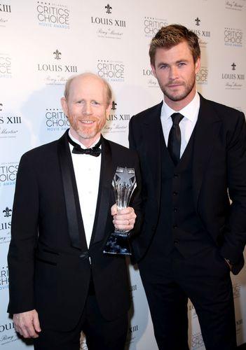 Actor Chris Hemsworth with director Ron Howard, winner of the Critics' Choice LOUIS XIII Genius Award, ...