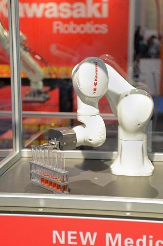 Robotics demonstration for medtech industry (PRNewsFoto/UBM Canon) (PRNewsFoto/UBM Canon)