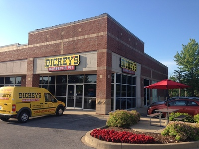 Veteran Fast Casual franchisees ink five-store deal with Dickey's Barbecue Restaurants, Inc. in Washington