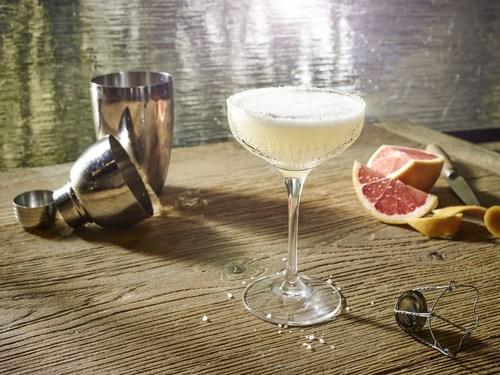 World Class cocktail - the Flapper Fizz (PRNewsFoto/Diageo Global Travel Western) (PRNewsFoto/Diageo Global ...