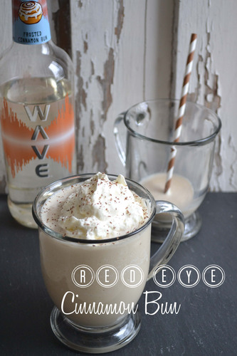 Enjoy refreshing summer drinks with WAVE Vodka!  Visit www.wavevodka.com for recipes.  (PRNewsFoto/Sazerac Company)