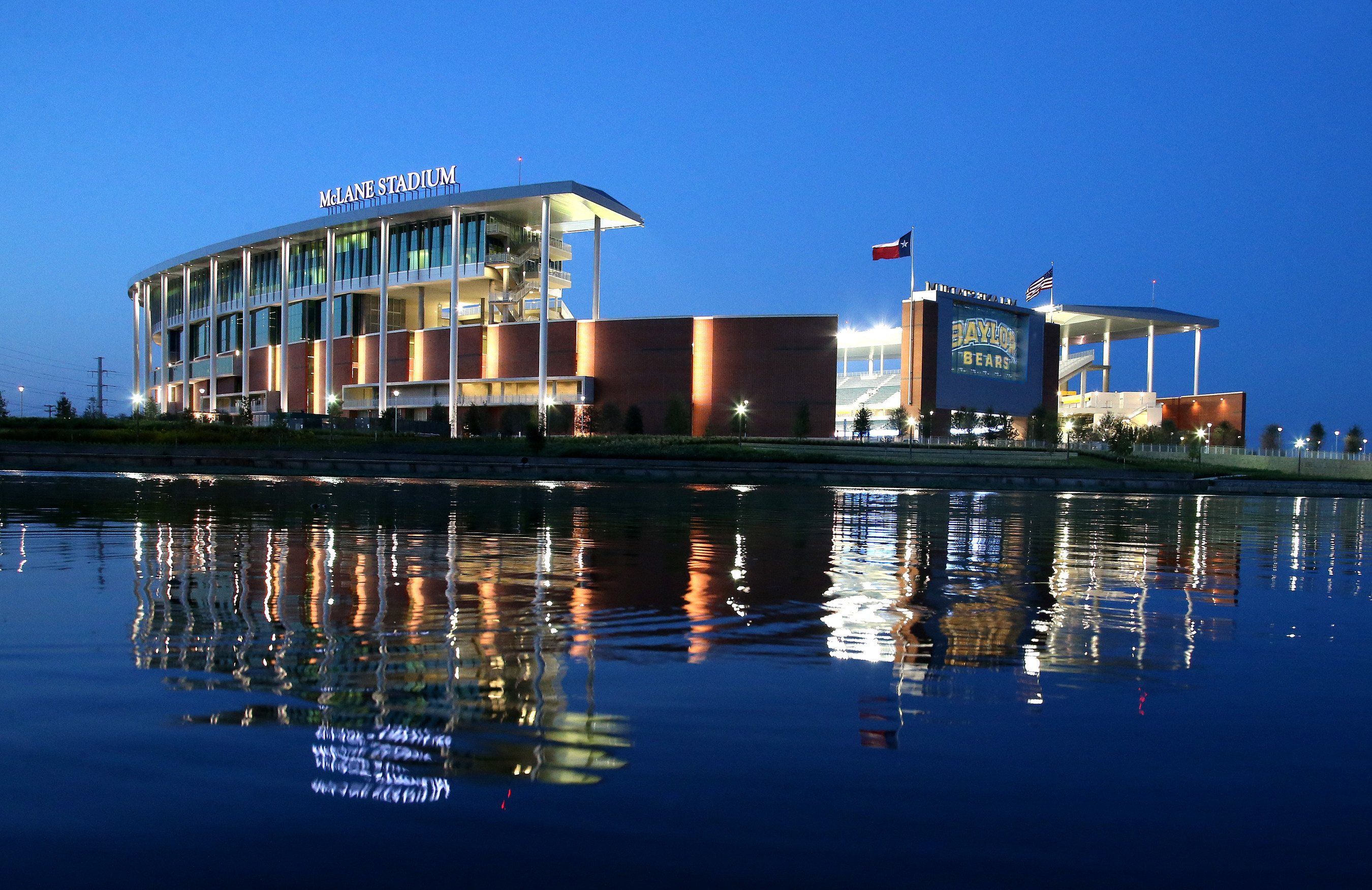 McLane Stadium in Waco, Texas. Courtesy of Matthew Minard, Baylor University Marketing & Communications. (PRNewsFoto/Extreme Networks, Inc.)