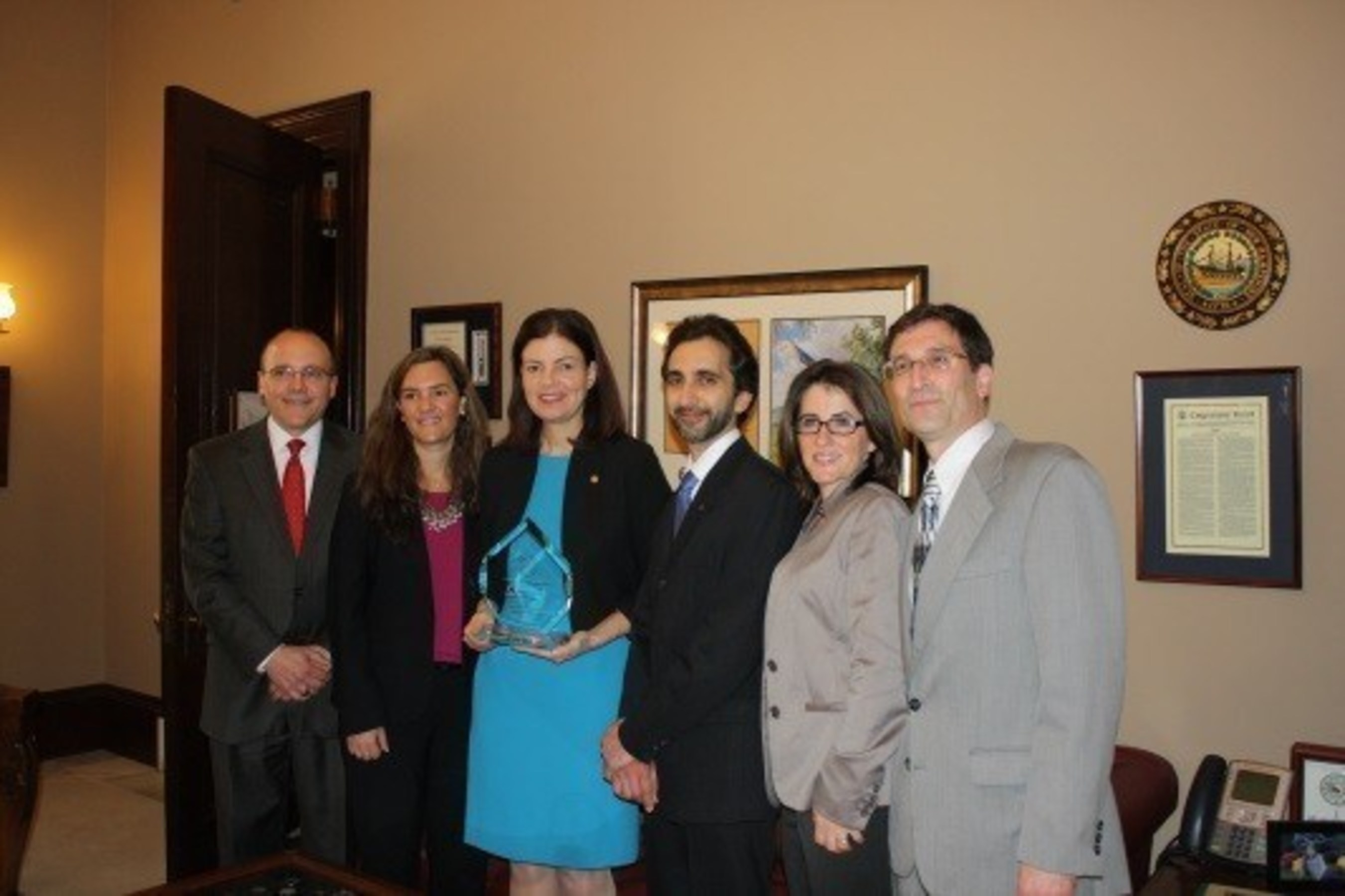 Pictured here (L to R): Emerson CEO Andy Greenawalt; Dr. Jaclyn Chasse, VP of Scientific and Regulatory Affairs for Emerson; US Senator Kelly Ayotte; Dr. Kasra Pournadeali, AANP President; Dr. Tina Beaudoin, Senior Medical Educator at Emerson; and Michael Jawer, AANP Director of Government & Public Affairs.