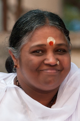Amma, humanitarian and spiritual leader. (PRNewsFoto/MA Center, California) (PRNewsFoto/MA CENTER, CALIFORNIA)