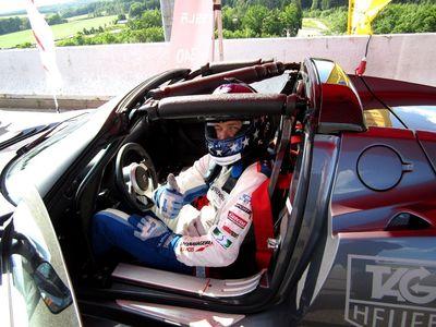 Johannes Stuck auf dem Weg zur elektrischen Bestzeit im TESLA Roadster beim ADAC GT Masters auf dem Sachsenring.