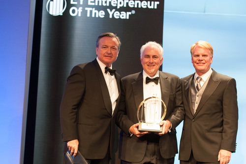 Paul W. Jones, Executive Chairman of A. O. Smith Corporation, accepting the National EY Entrepreneur Of The Year(TM) 2013 Distribution and Manufacturing Award.  (PRNewsFoto/A. O. Smith Corporation)