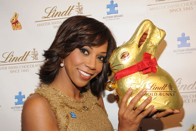 Holly Robinson Peete joined Lindt Chocolate to Launch the 2012 LINDT GOLD BUNNY Celebrity Auction and celebrate the iconic figure's 60th birthday. 100% of the auction proceeds will be donated to Autism Speaks, as part of Lindt's partnership with the organization during the Easter season. Bid at LindtGoldBunnyAuction.com March 8-18.  (PRNewsFoto/Lindt USA)