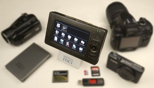 Picture Porter - Essential Digital Photo Manager (PRNewsFoto/L&C - www.lncdeslet.com)