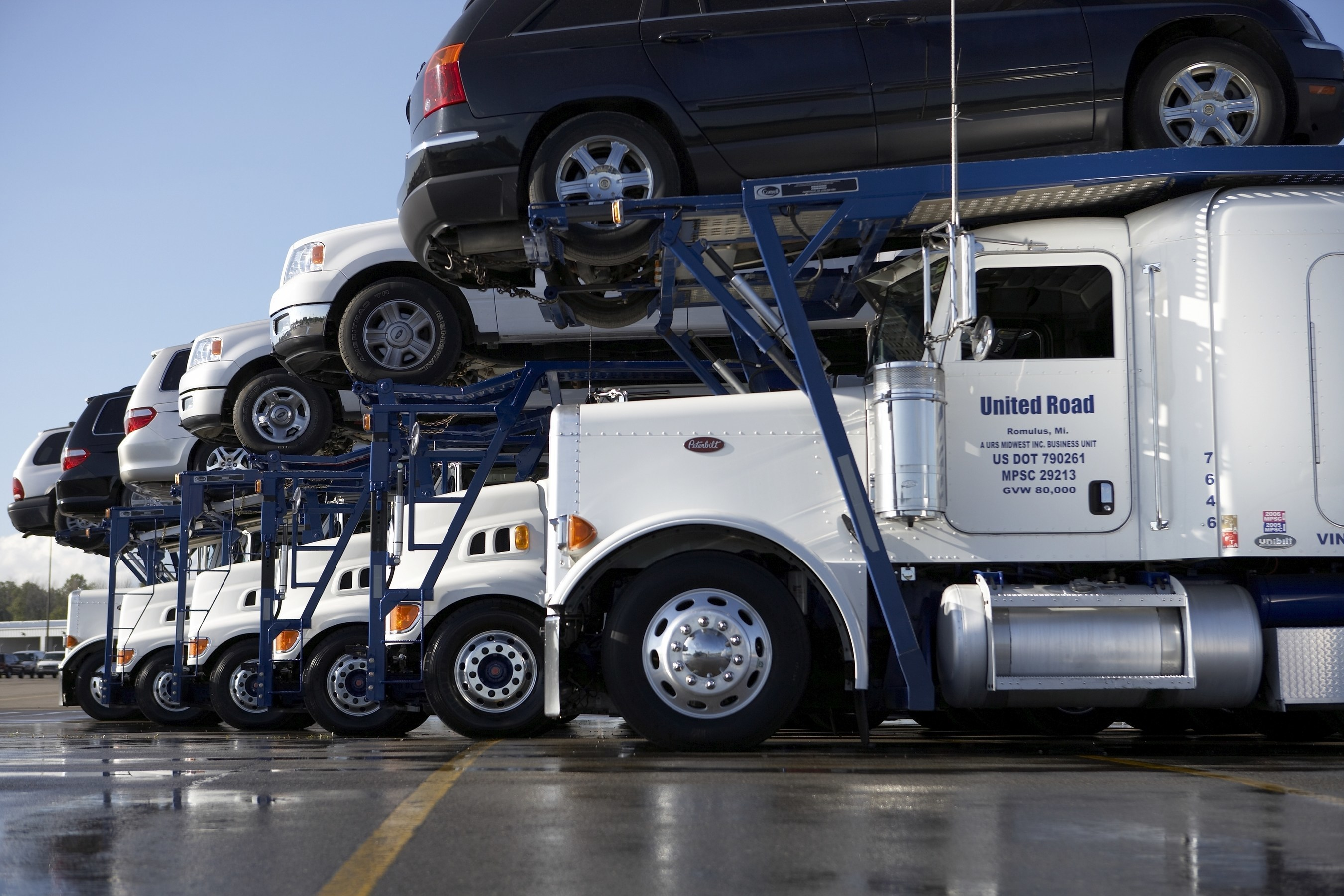 AutoWurld Members Now Gain Access to Discounted Auto Transportation from United Road Services