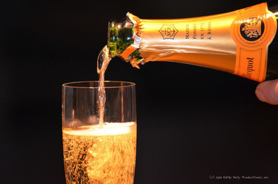 Len Napolitano offers tips for buying and serving champagne. Photo Credit: Kathy Kelly Productions, Inc.  (PRNewsFoto/Len Napolitano)
