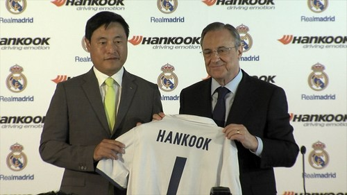 Hankook Tire President and Chief Marketing Officer Hyun Shick Cho and Real Madrid C.F. President Florentino Perez today officially signed their global partnership contract at Santiago Bernabeu stadium. (PRNewsFoto/Hankook Tire Europe GmbH)