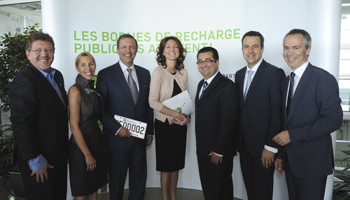 Joel Gauthier, President and CEO, AMT; Lyne Chayer, VP, Marketing, St-Hubert; Sam Hamad, Minister of Transport; Nathalie Normandeau, Minister of Natural Resources and Wildlife; Karim Salabi, VP, Marketing  Image - Sponsorships, RONA; Marc Giroux, VP, Marketing, METRO; Thierry Vandal, President and CEO, Hydro-Quebec.  (PRNewsFoto/Hydro-Quebec)