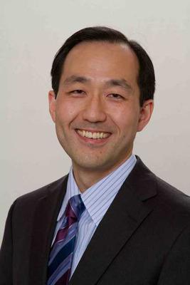 HoSun Hwang, MD, Orthopedic Specialist, Back and Neck, Houston Methodist Orthopedics.  (PRNewsFoto/Houston Methodist Orthopedics & Sports Medicine)