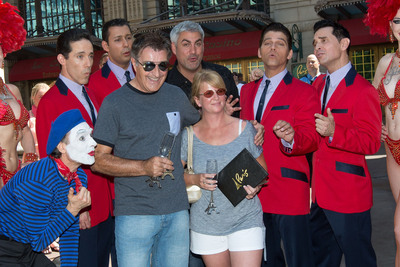 "Paris Las Vegas headliners Taylor Hicks and Jersey Boys sing ""You're our 10 millionth guest"" to the Eiffel Tower Experience's 10 millionth visitor, Martin Layton.  (PRNewsFoto/Paris Las Vegas, Erik Kabik/Retna)"