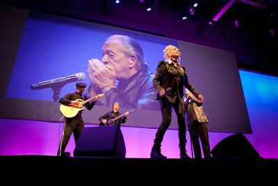 Cyndi Lauper and Charlie Musselwhite rock Inbound 2012 #inbound12.  (PRNewsFoto/HubSpot)