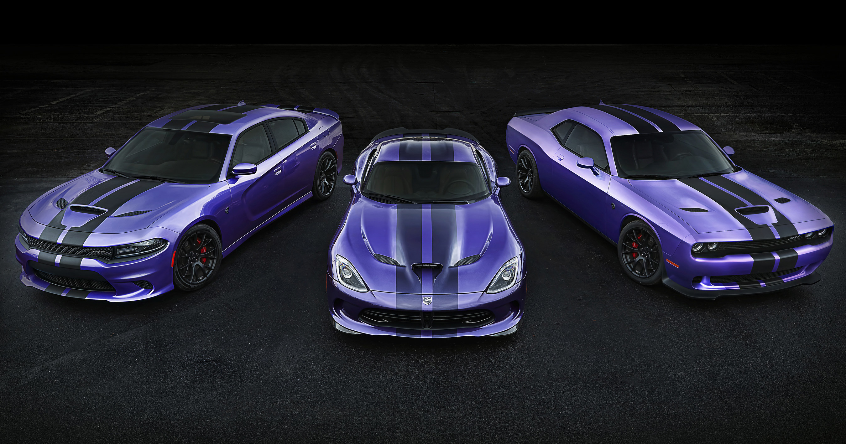 2016 Challenger And Charger Srt Hellcat Models Earn Exclusive Stripes Dodge Extends Plum Crazy Paint