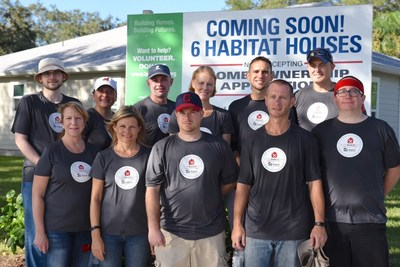 The Accelerated Analytics team at the Habitat for Humanity work site in Sarasota, FL.